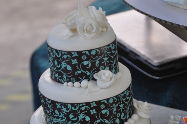 Catering Cake Design : Asymmetric Wedding Cake Full Service Catering and Event ...