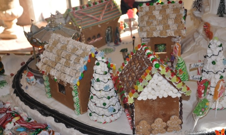 Gingerbread House Christmas Village Full Service