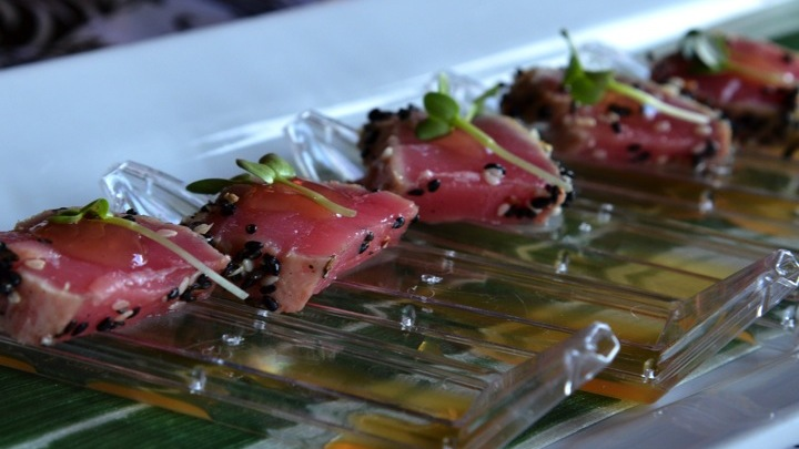 Seared Ahi Tuna & Ponzu Sauce